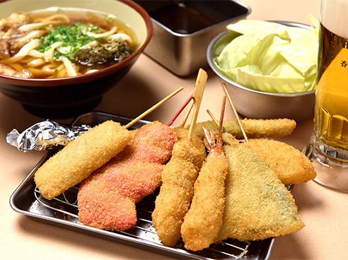 串カツとその他料理の画像